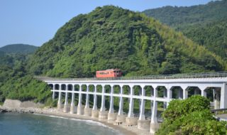 ディーゼル列車1日本海)